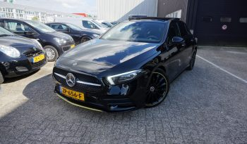 Mercedes-Benz A-klasse 180 D Edition 1 Premium Plus 2x AMG