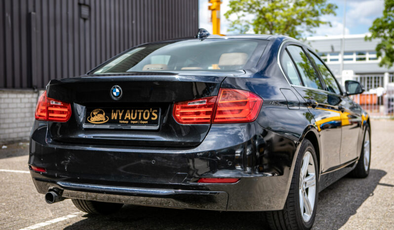 BMW 3-serie 320i High Executive| Navigatie| Head-up display| Cruise control vol