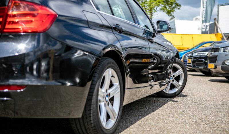 BMW 3-serie 320i High Executive| Navigatie| Head-up display| Cruise control vol