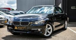 BMW 3-serie 320i High Executive| Navigatie| Head-up display| Cruise control